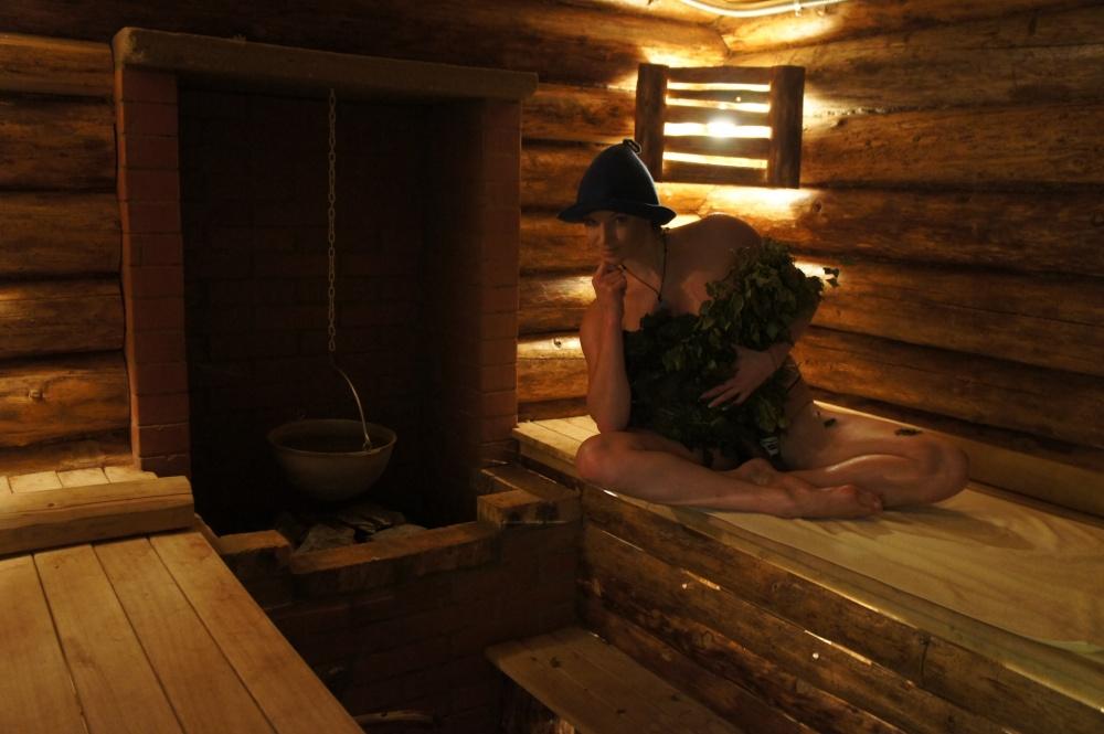 загорает половой акт в русской бане фото дело снова